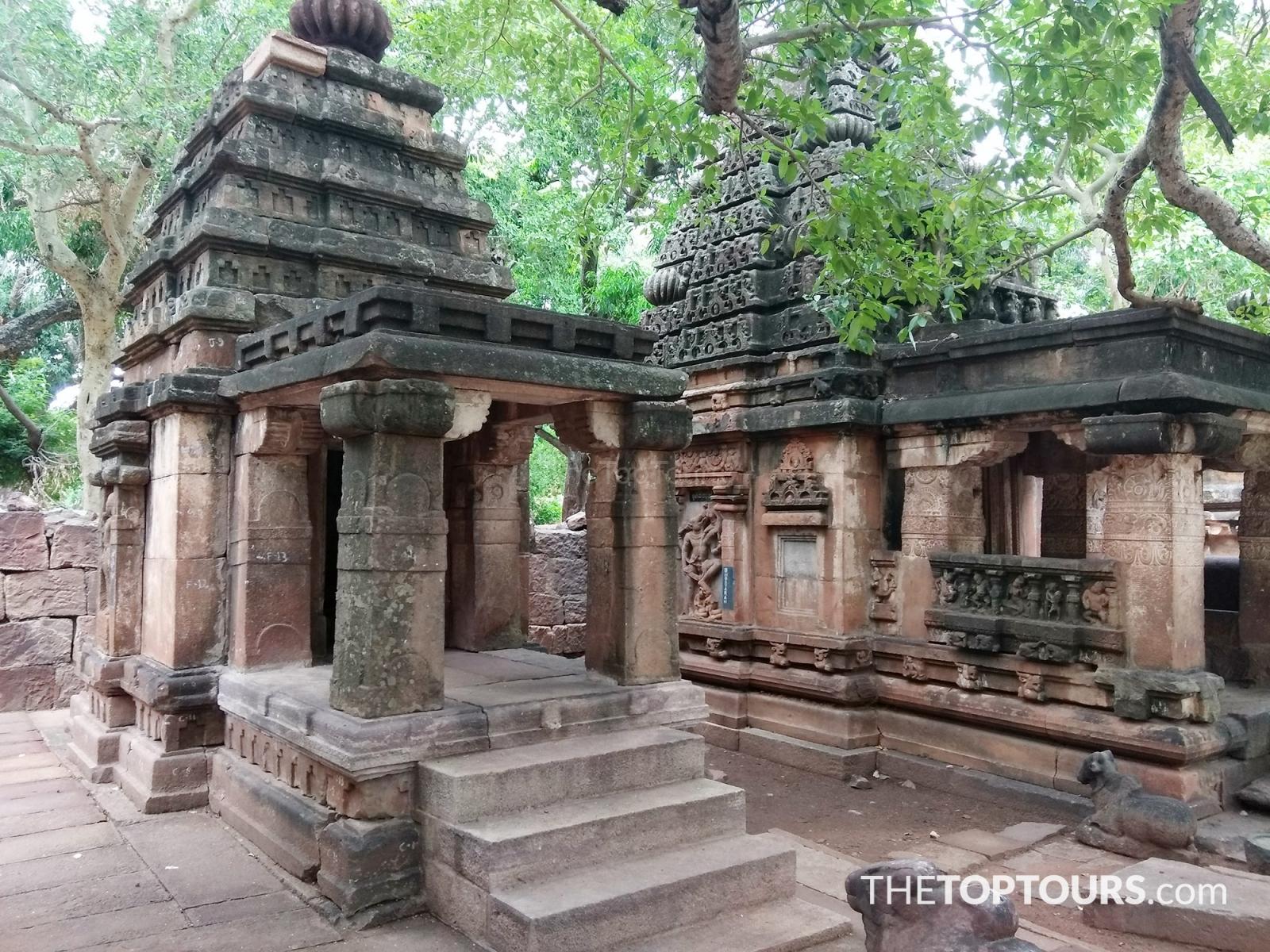 Chikka mahakuteshwara temple, Mahakuta
