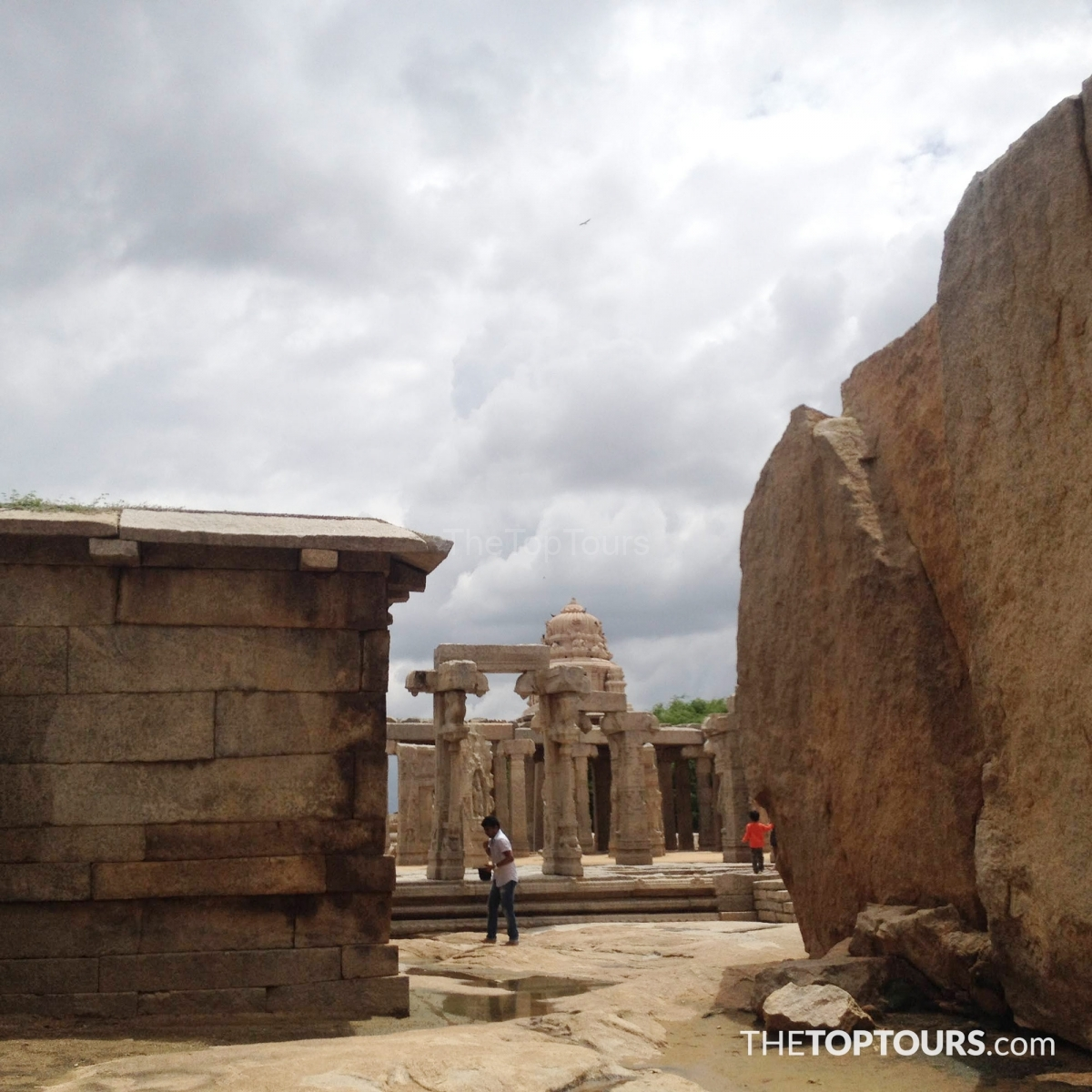 Amazing Lepakshi Temple Picture - Anantapur