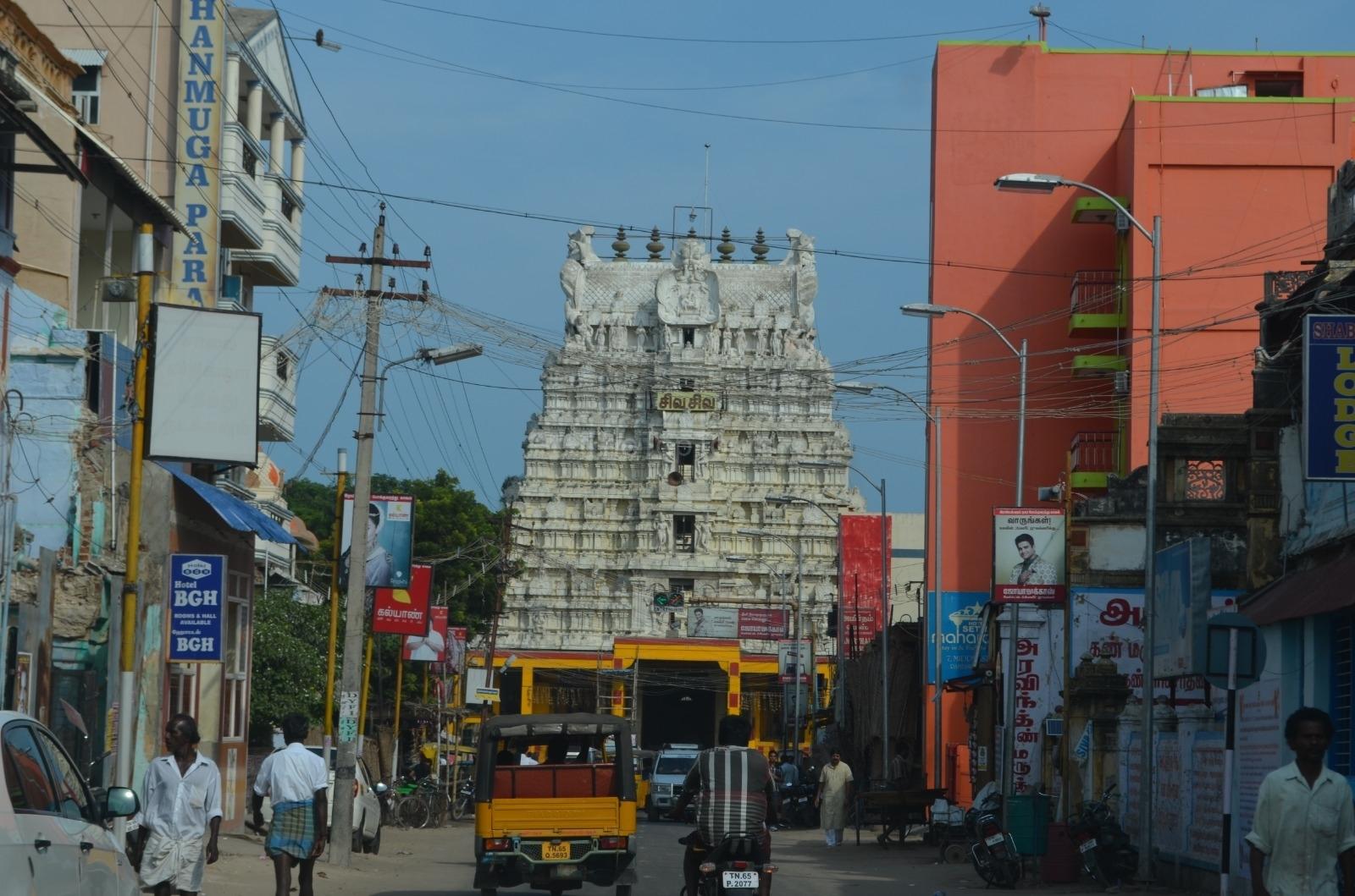 RamanathaSwamy Temple Street View in Rameswaram, TamilNadu