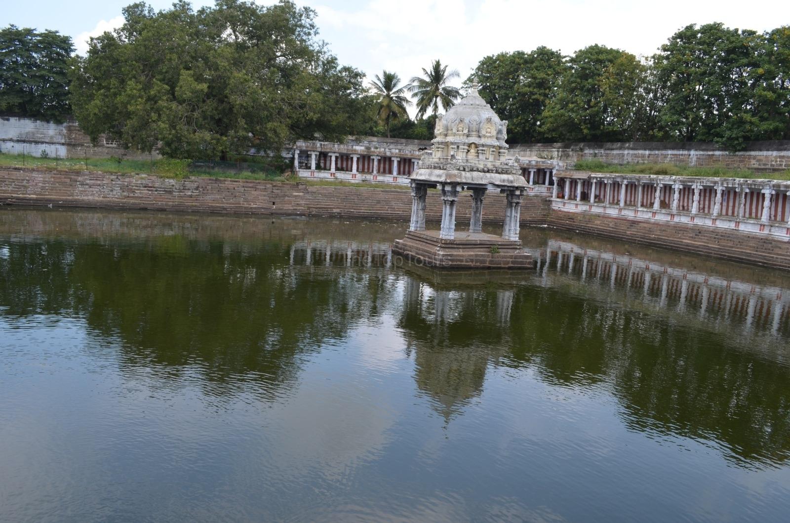 Ekambaranathar Temple Lake Kanchipuram, Tamil Nadu