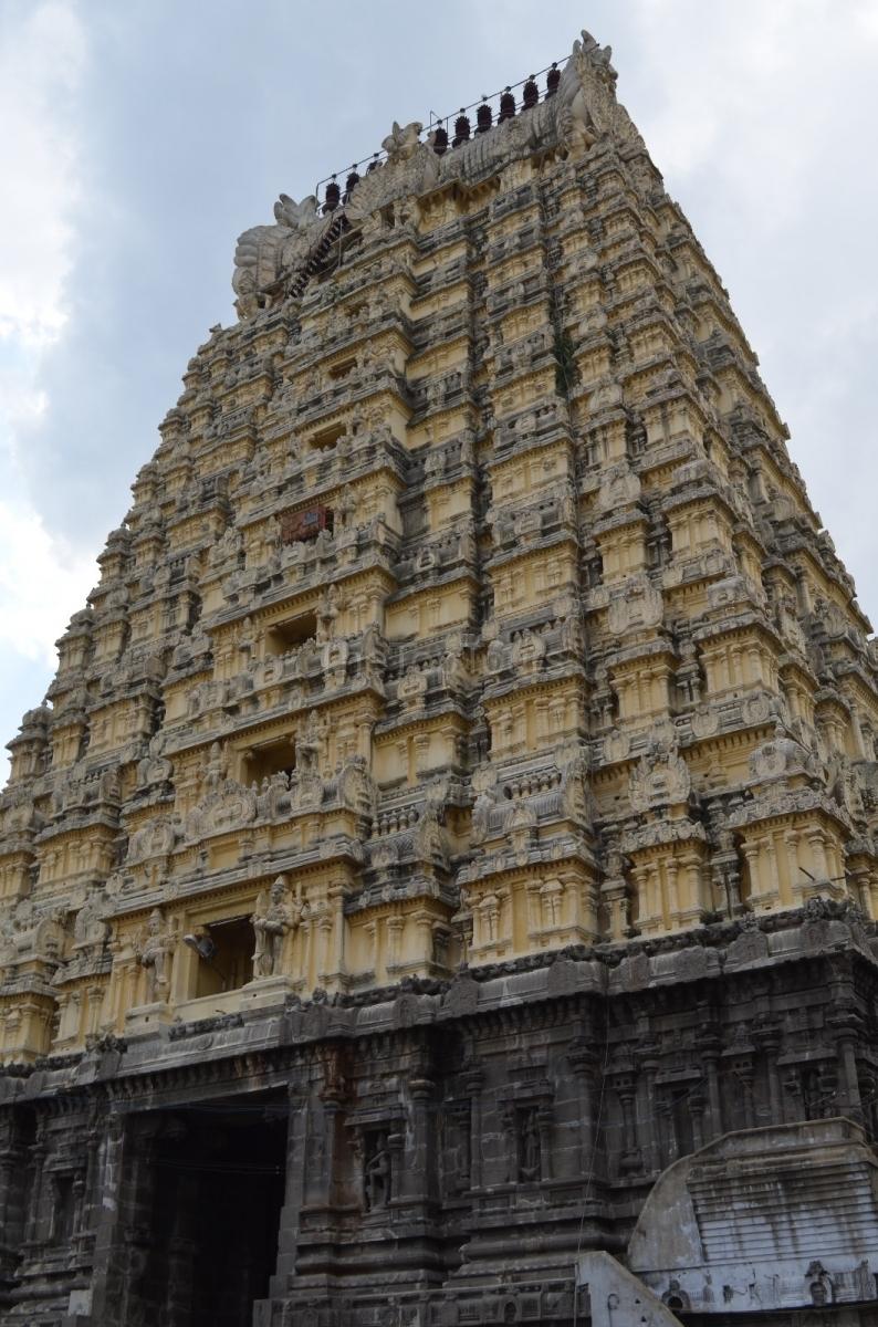 Kanchipuram Ekambaranathar Temple In Tamil Nadu India