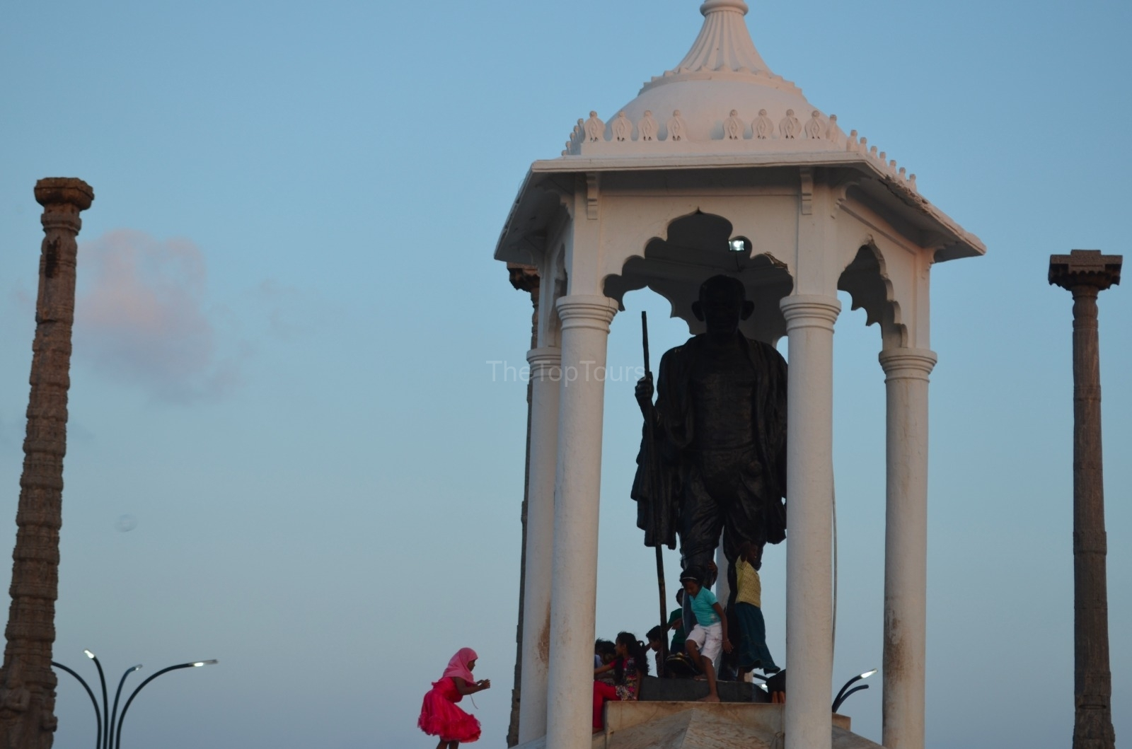 Visit Pudicherry Mahatma Gandhi Statue, Tamil Nadu