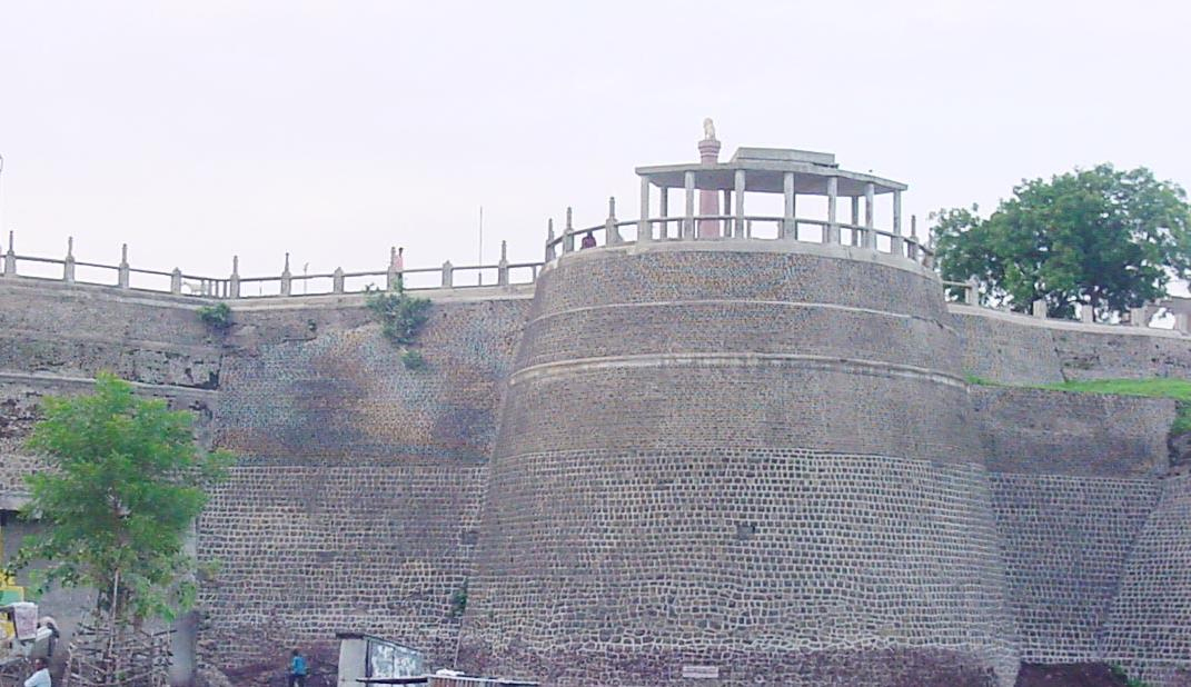 Akola Fort - Great Place To Visit Near Narnala For