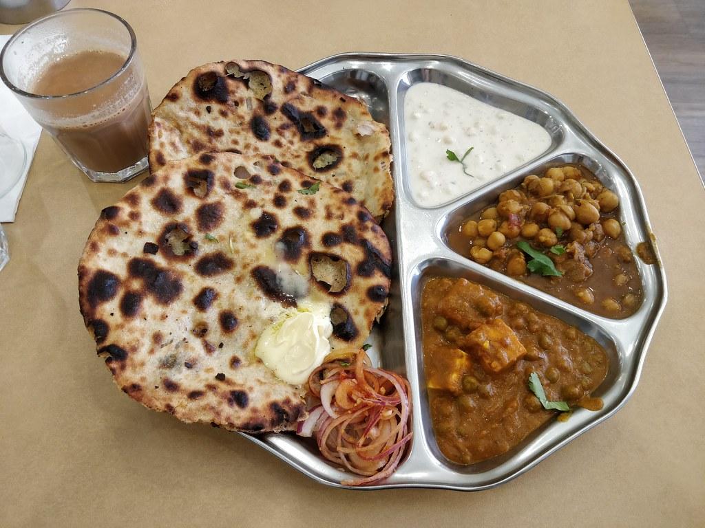 Great Food To Try Near Gobindgarh Fort - Amritsari Kulcha