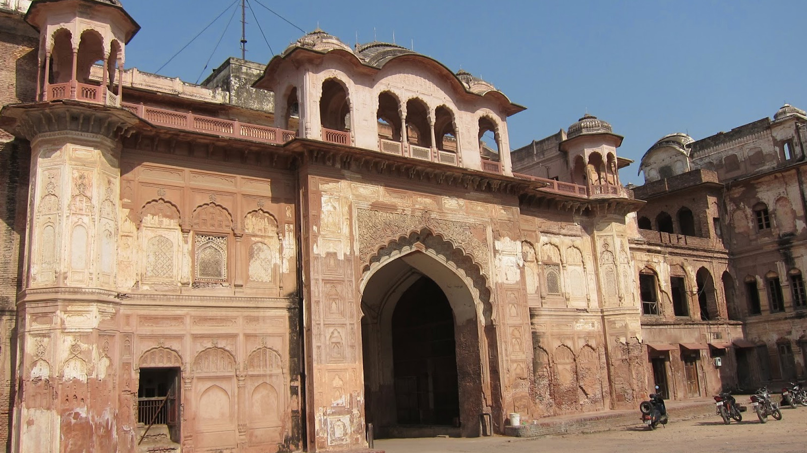 Best Time to Visit Bahadurgarh Fort