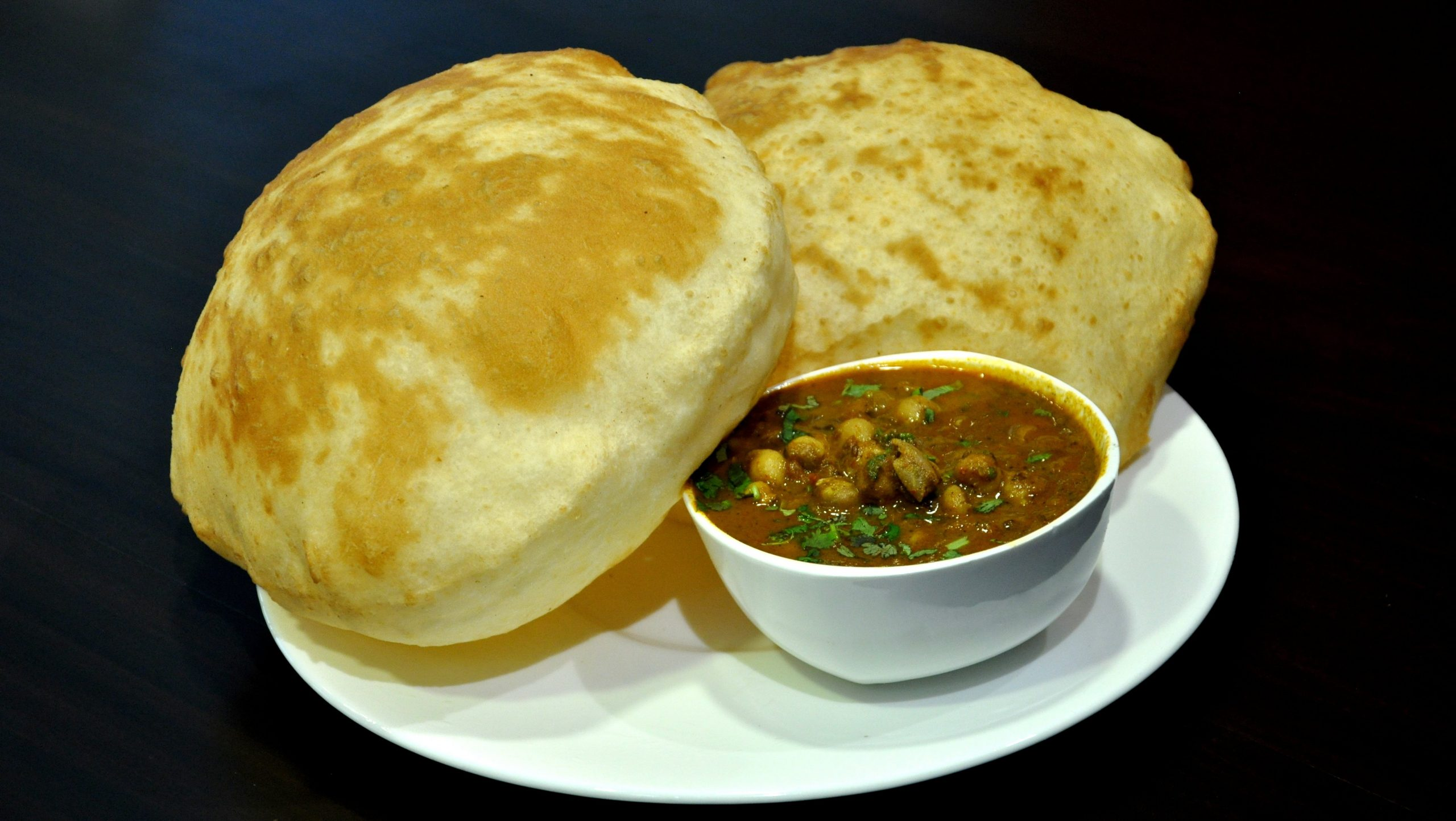 Best Food To Try Near Gobindgarh Fort - Chole Bhature