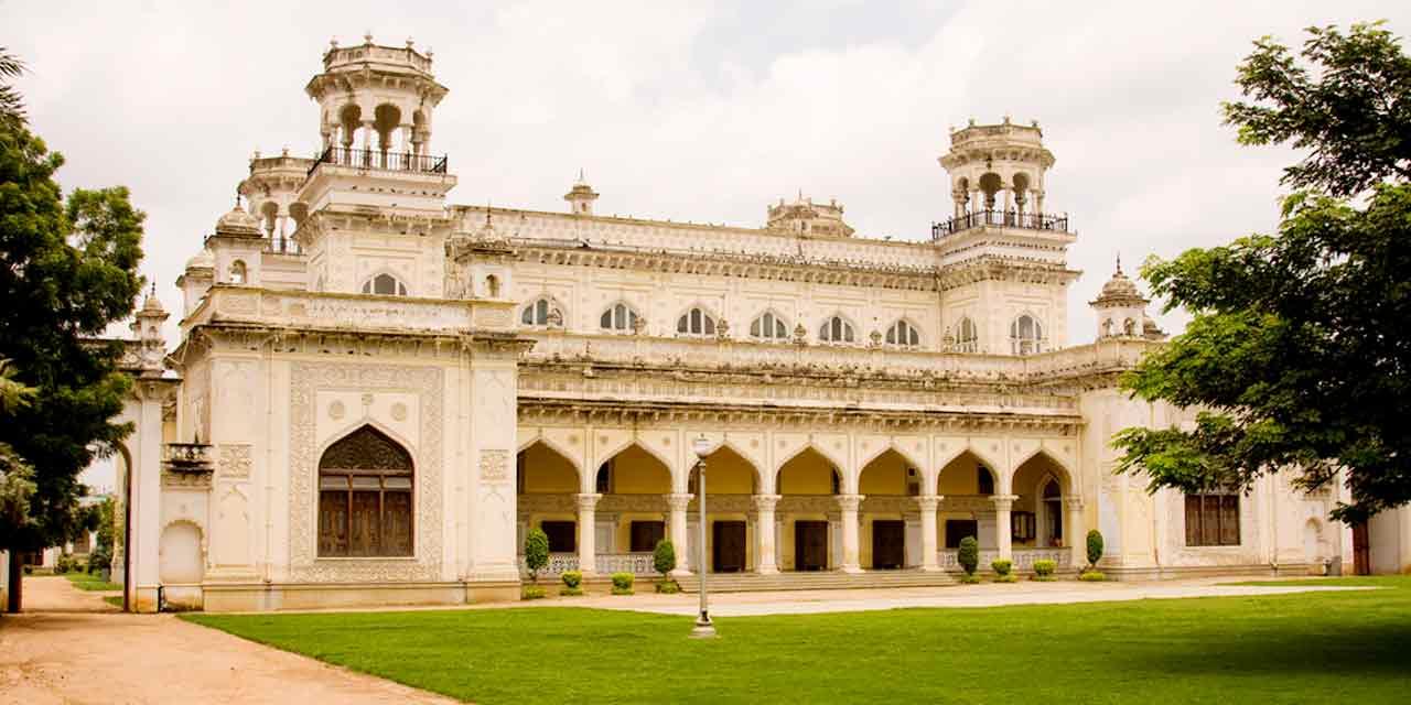 Chowmahalla Palace - Top Place To Visit Near Paigah Tombs