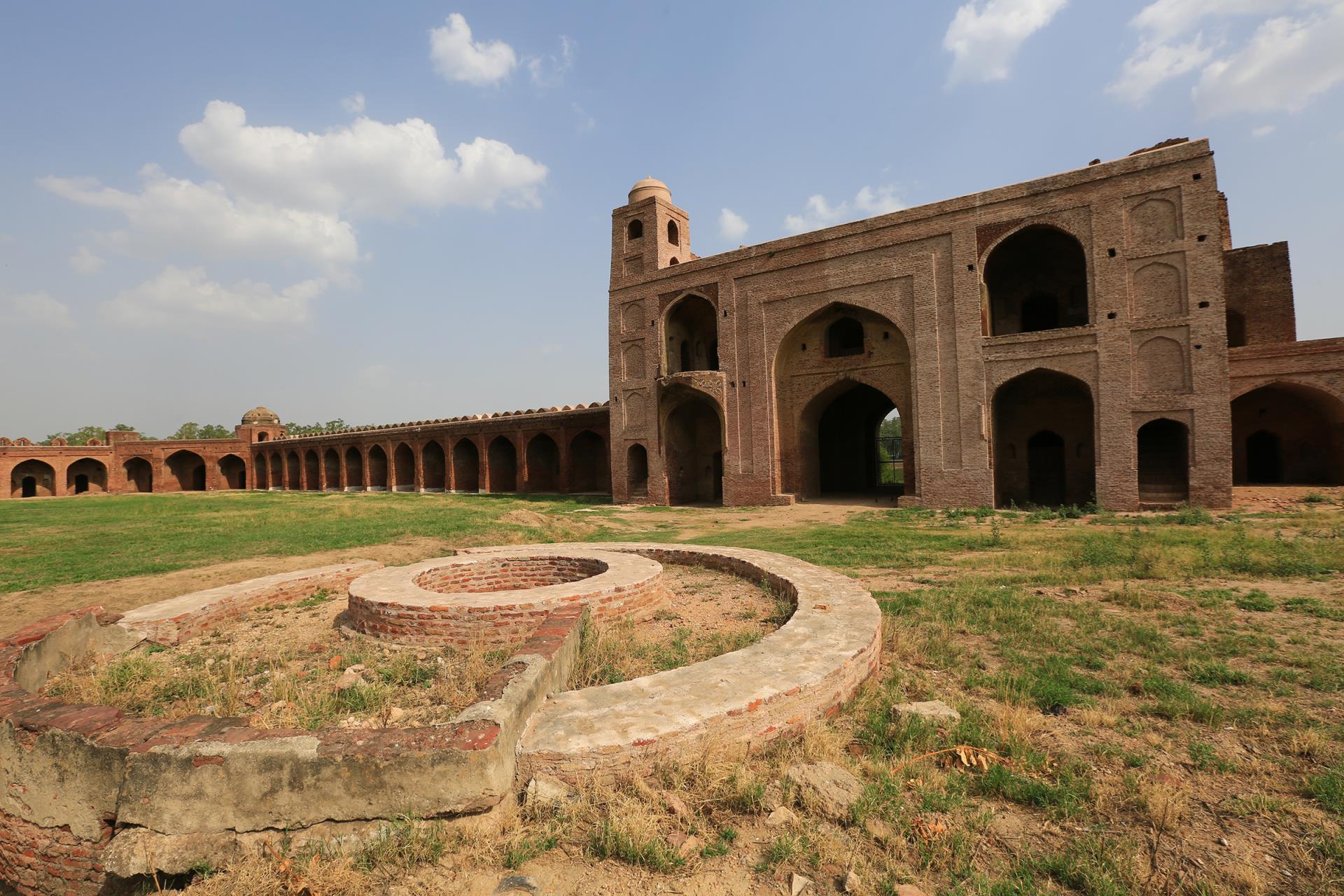 How to Reach Bahadurgarh Fort
