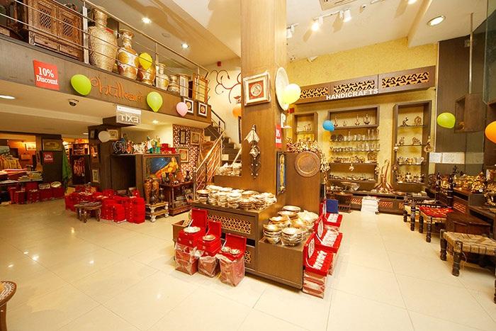 Shopping at the Phulkari Emporium - Patiala