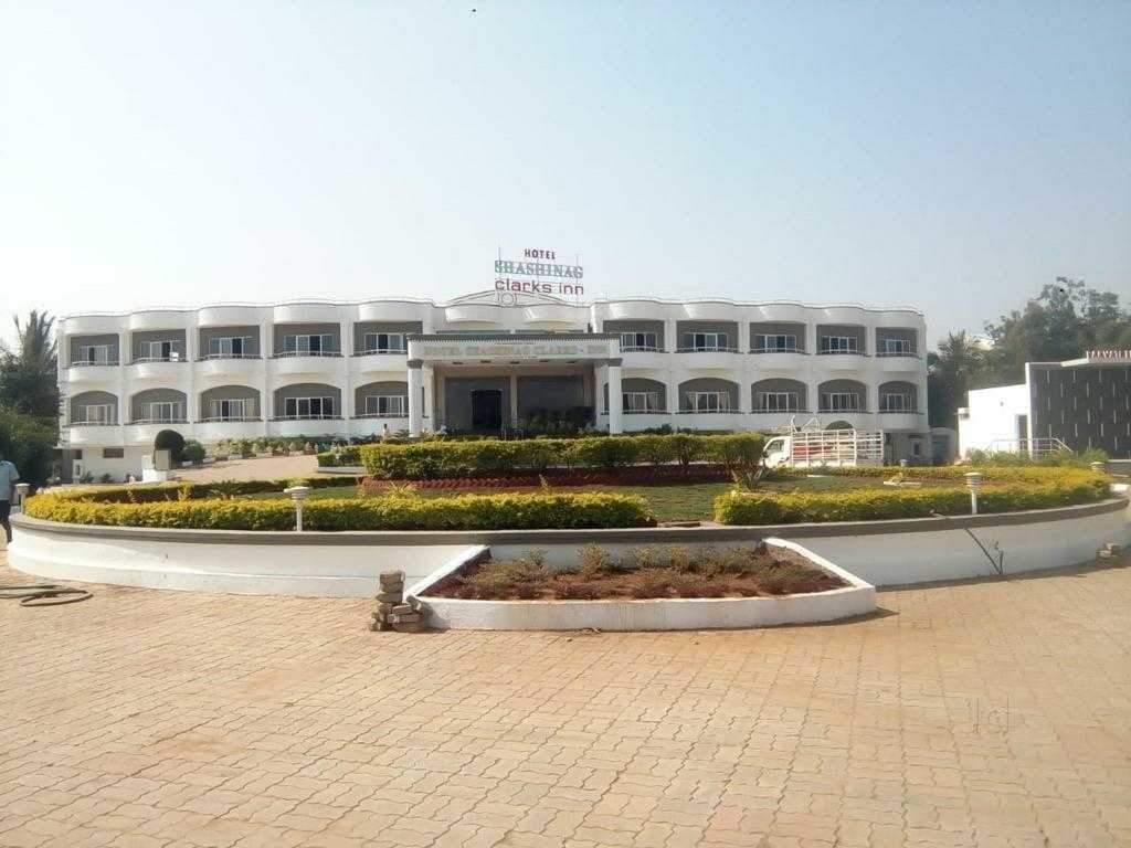 Shashinag Residency Hotel
