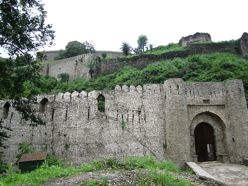 The Kangra Fort Visit: Structure of the Fort & Tourists Experience