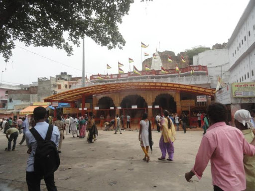 Timings and Entry Fee of the Moti Dungri Temple