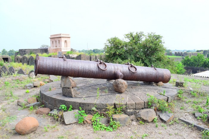 Tourist Experience of Paranda Fort