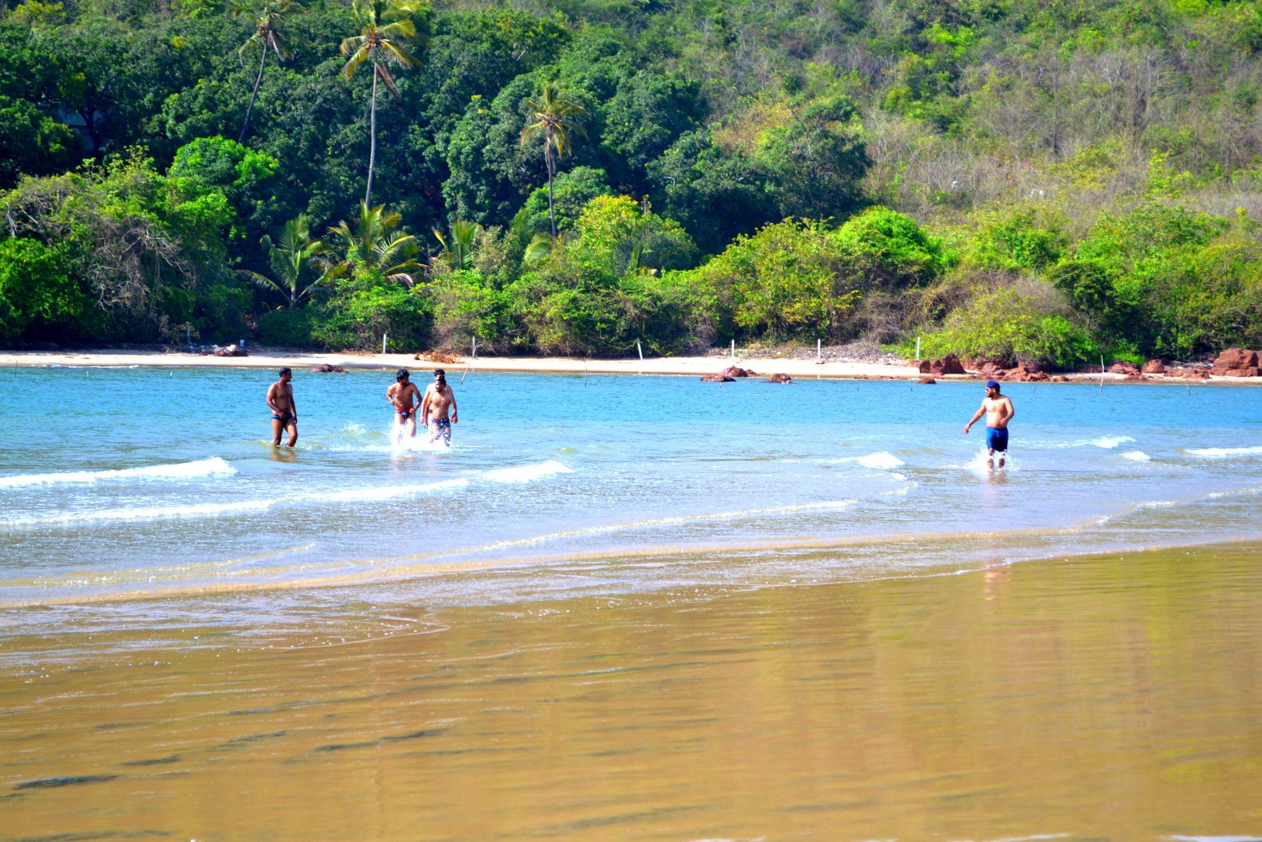 Visit Aare-Ware Beach in Ratnagiri