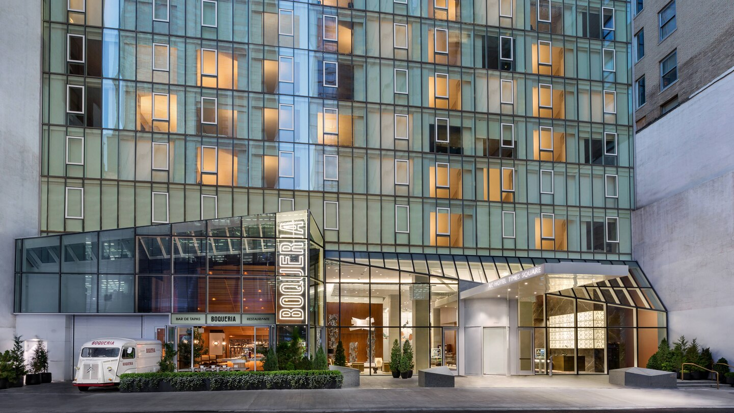 AC Hotel New York Times Square - Mid-Range Hotels To Reside In New York