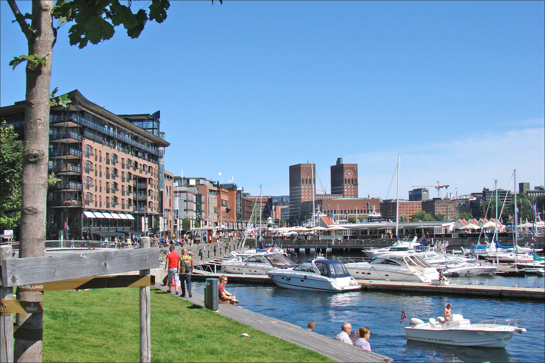 Aker Brygge: Popular Shopping Center For Tourists in Oslo