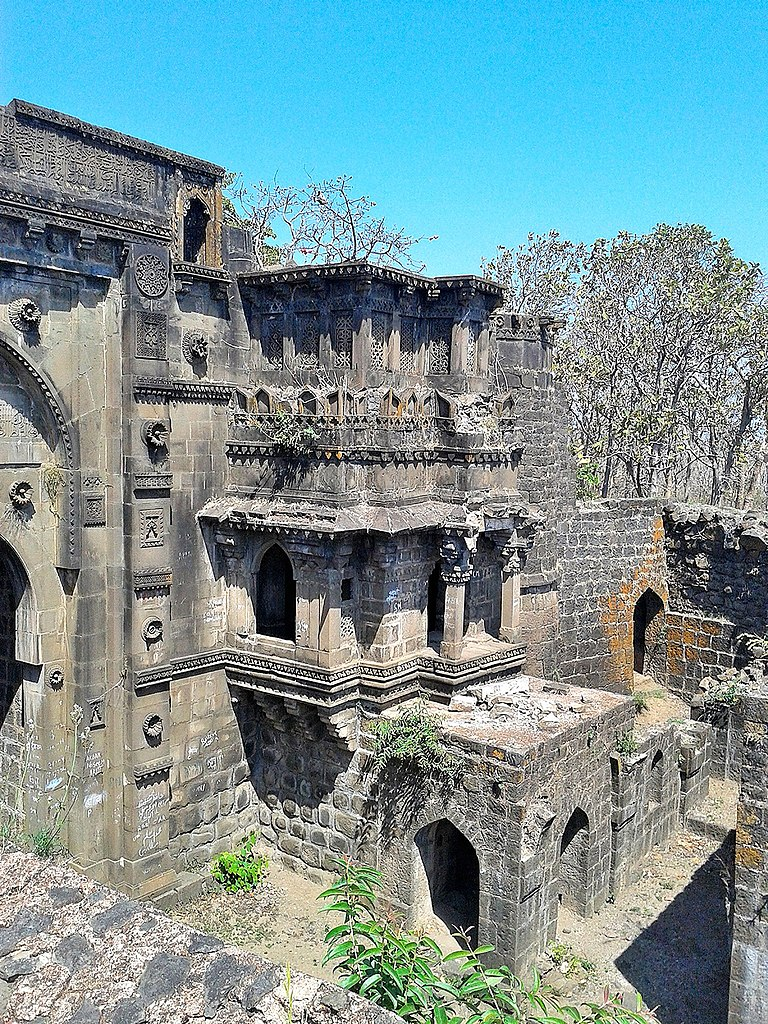 Weekend Destination from Amravati in Maharashtra-Narnala Fort, Akola