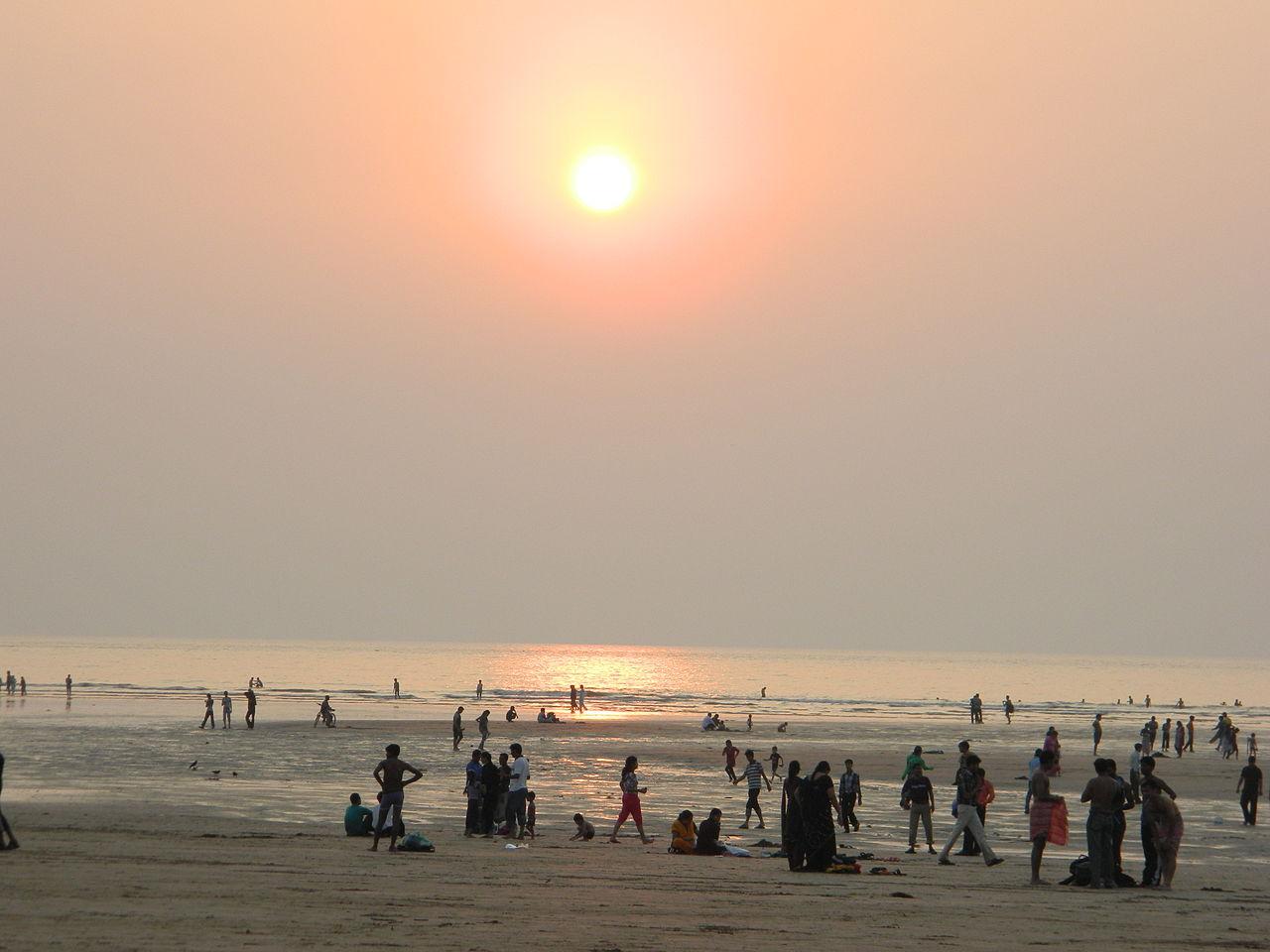 Top Suburban Mumbai Beach You Must Visit - Aksa Beach