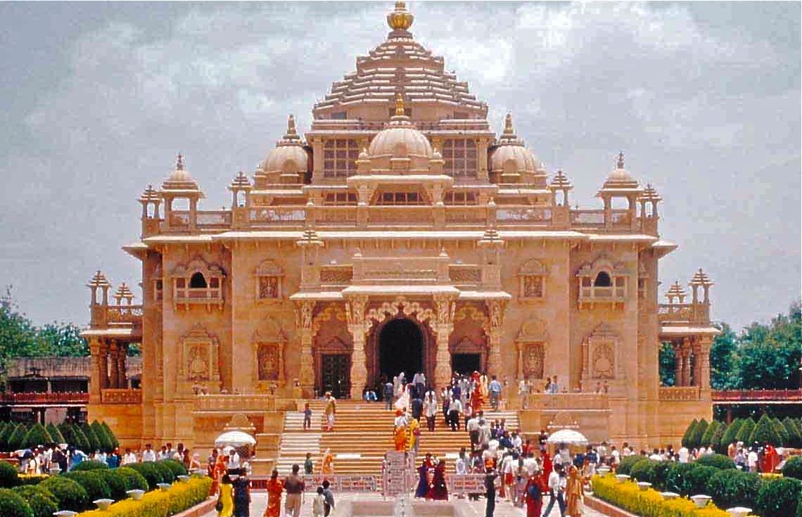 Famous Spiritual Destination In Delhi-Akshardham Temple