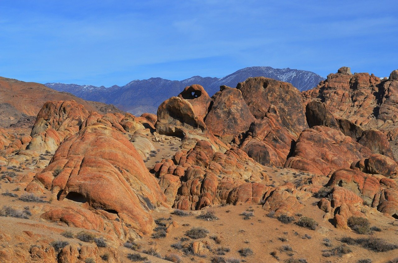 Soak in the Beauty of Alabama Hills - Things To Experience When In Lone Pine
