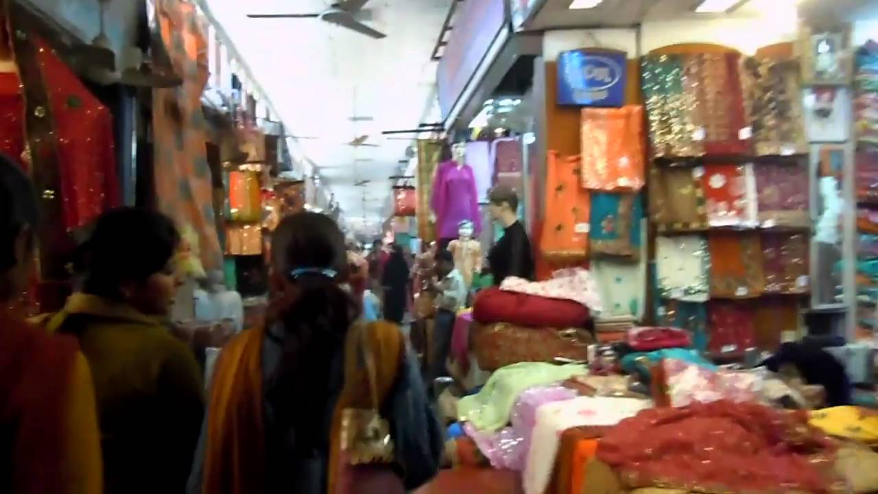 Aminabad Market Best Place to Shop In Lucknow
