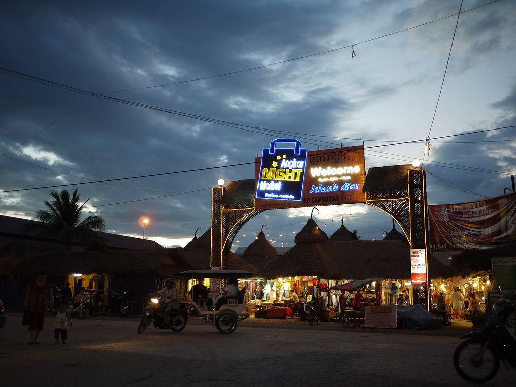 Must Visit Place for Every Shopaholic in Cambodia-Angkor Night Market