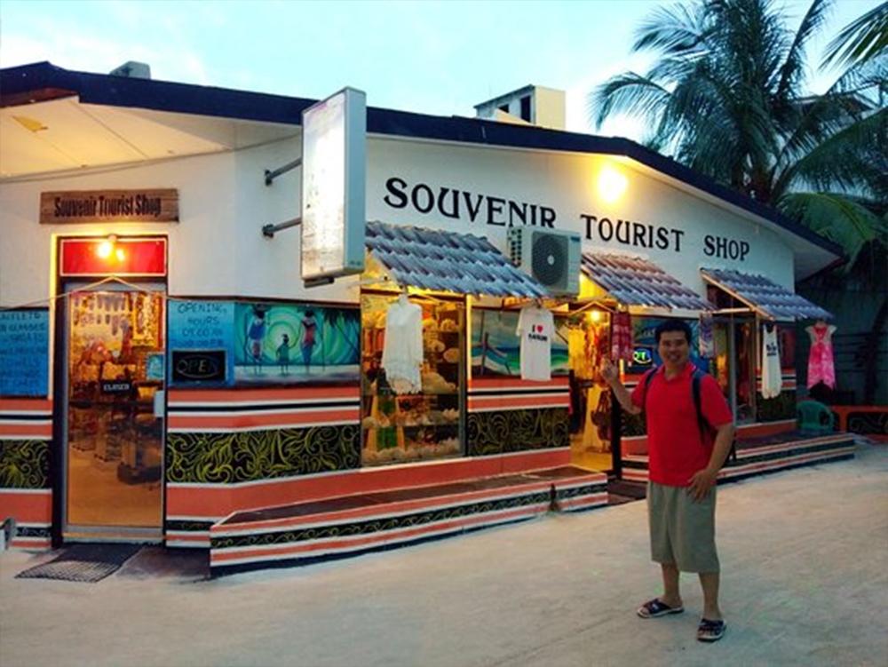 Best Place to Shop in Maldives - Angolo Souvenir Shop