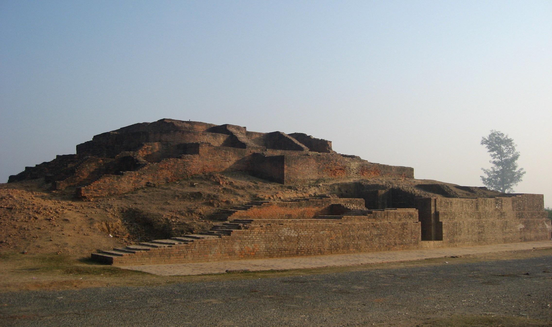Angulimar Stupa - Place of Interest in Sravasti