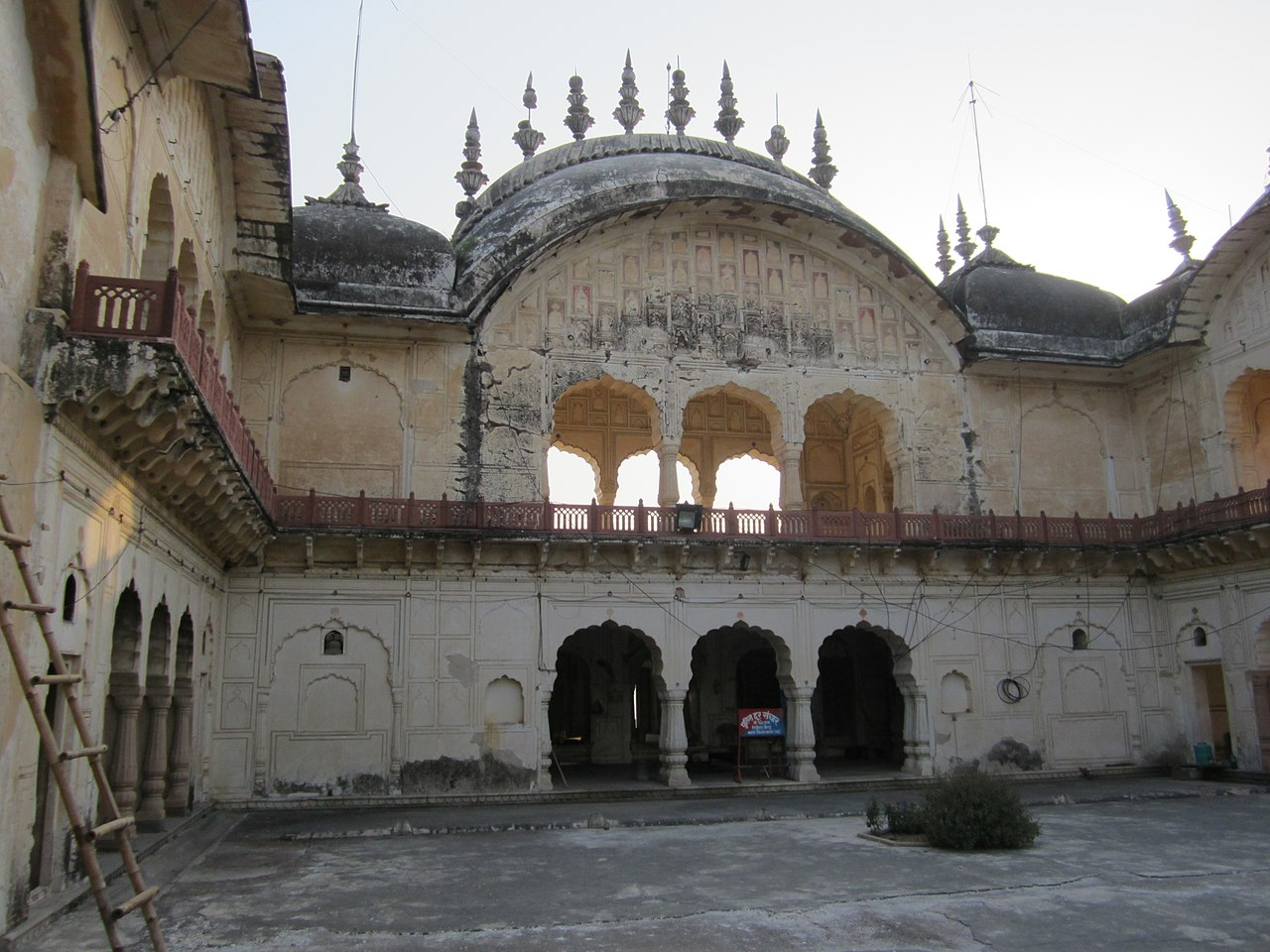 Architecture of the Alwar Fort, Rajasthan