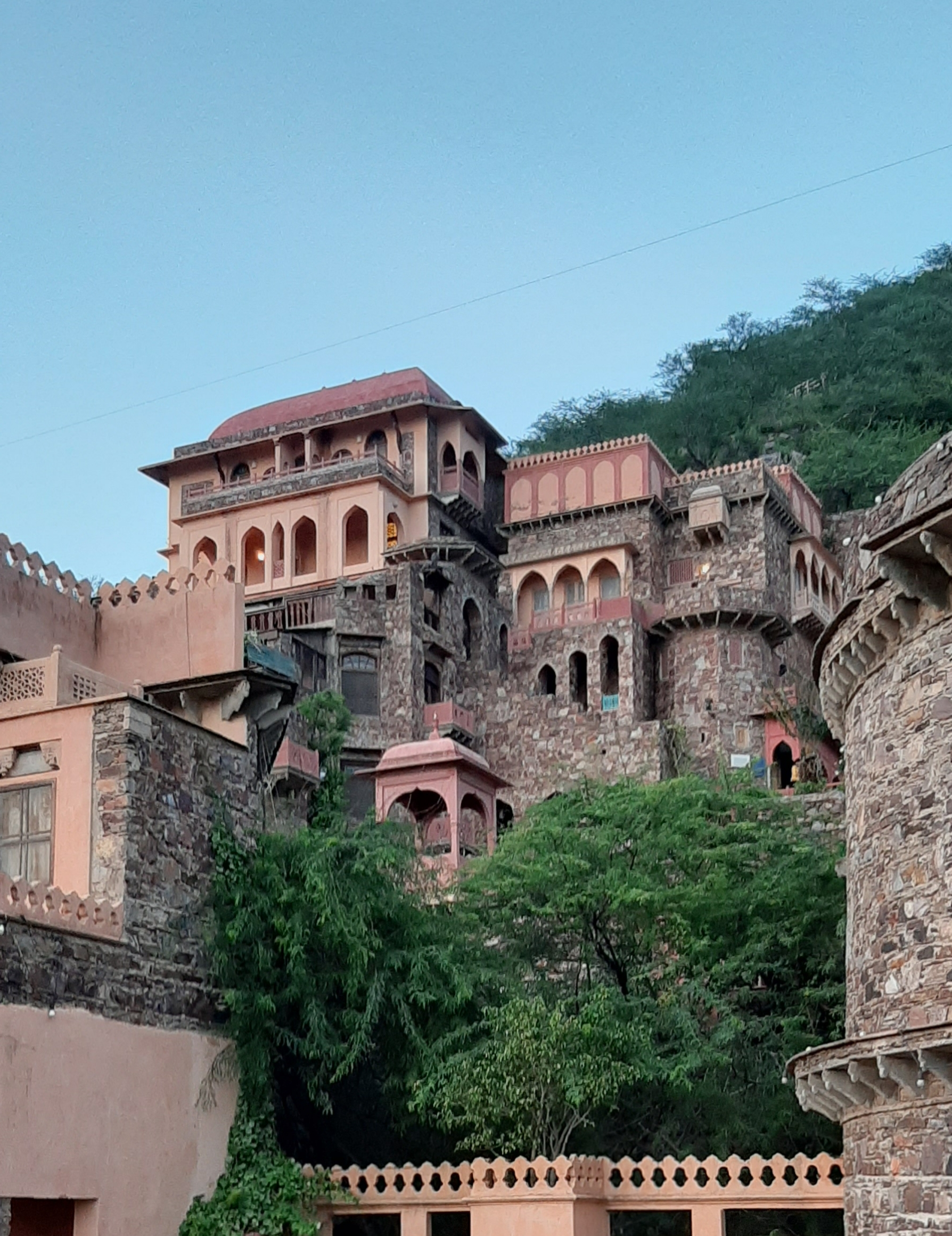 Architecture of the Neemrana Fort, Rajasthan