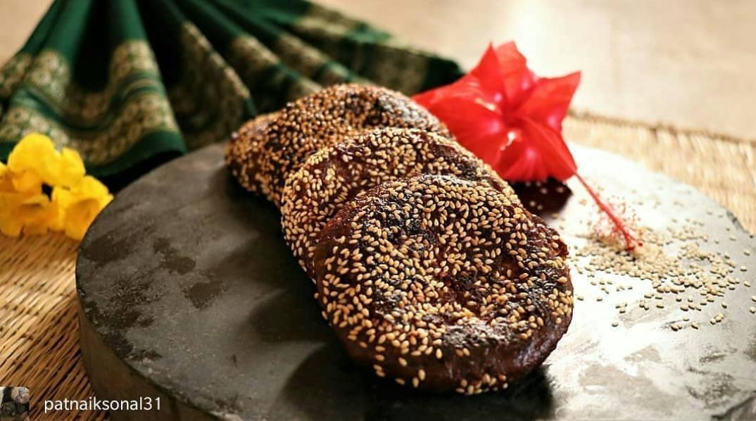 Arisa Pitha - Best Street Foods In Bhubaneswar