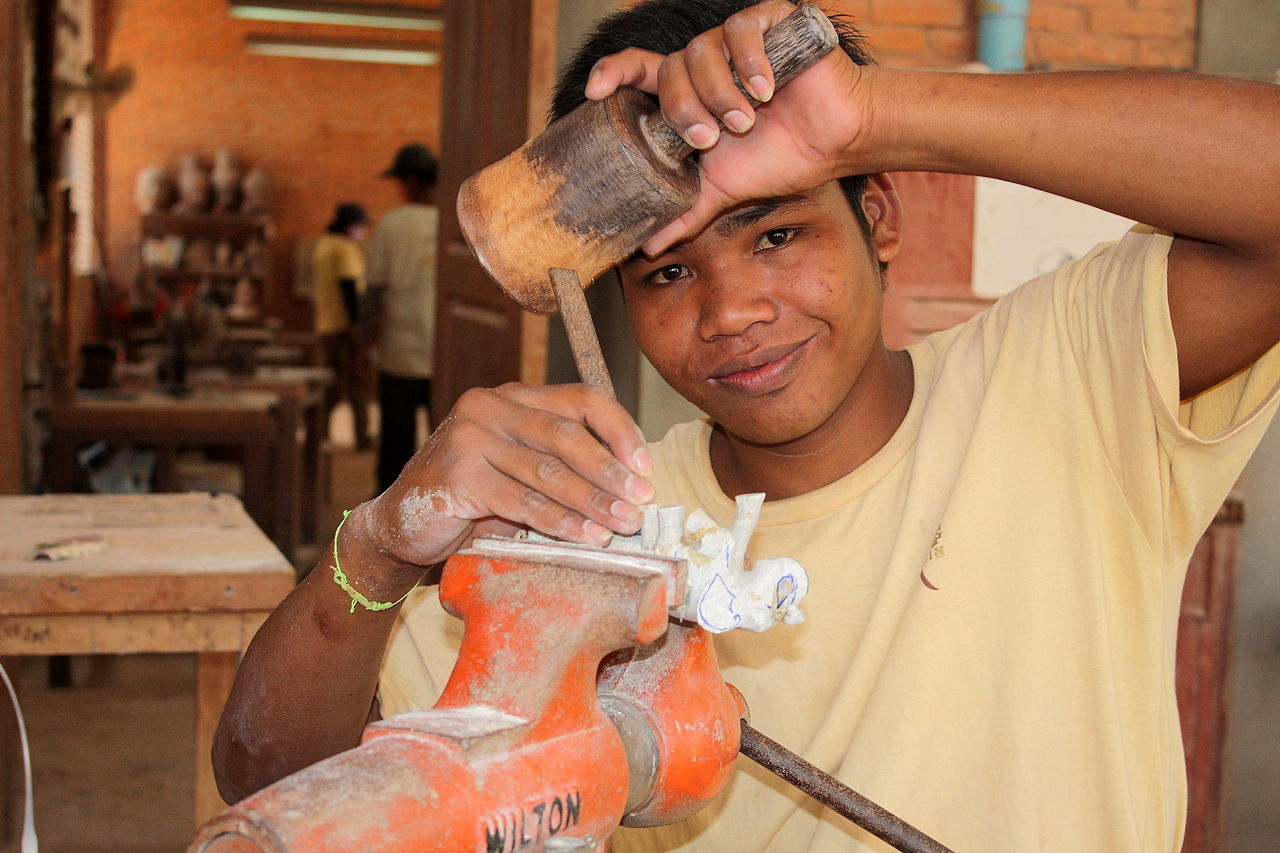 Must Visit Place for Every Shopaholic in Cambodia-Artisans Angkor