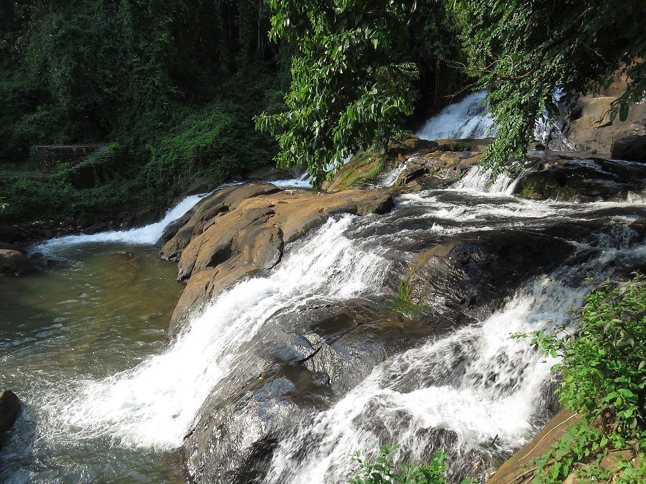 Amazing Attraction in Kumarakom-Aruvikkuzhi Waterfall