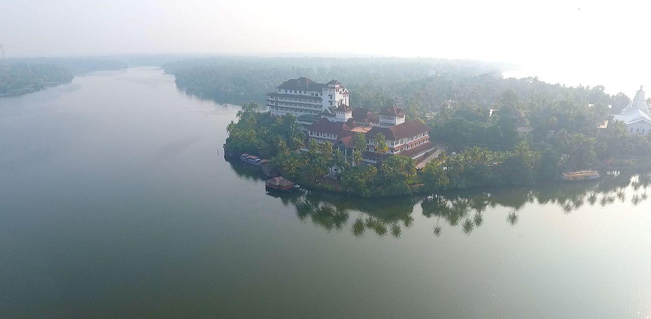 Amazing Place to Visit in Kerala-Ashtamudi Lake, Kollam