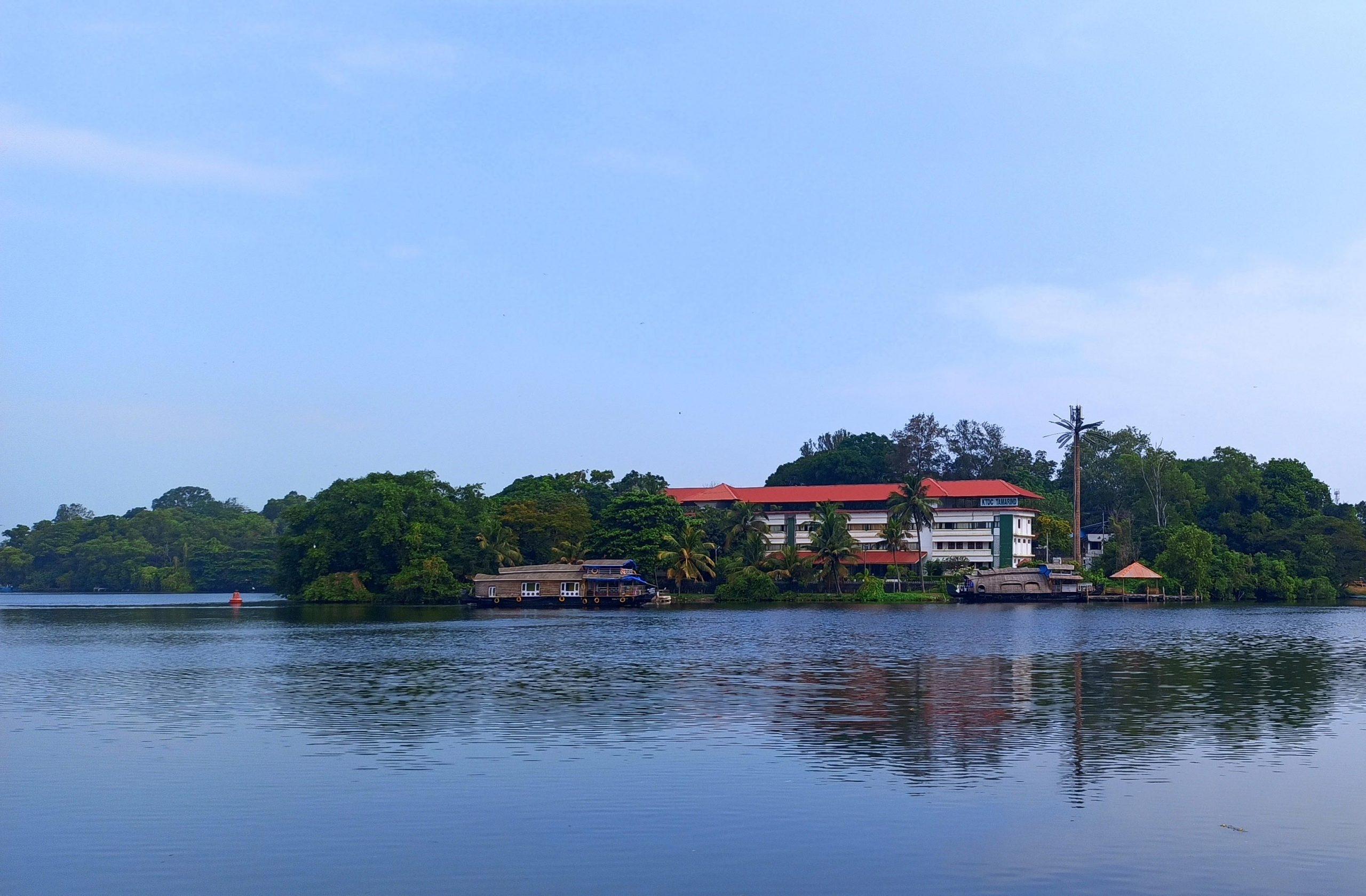 Famous Lake in kerala-Ashtamudi Lake