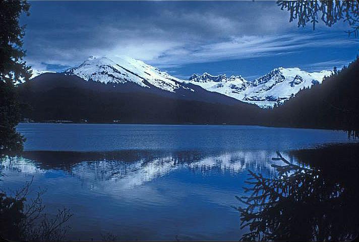 Attraction Lake Of Alaska City-Auke Lake