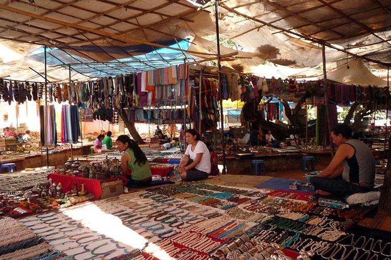 Baga Tibetan Market - Best Places to Shop in Goa