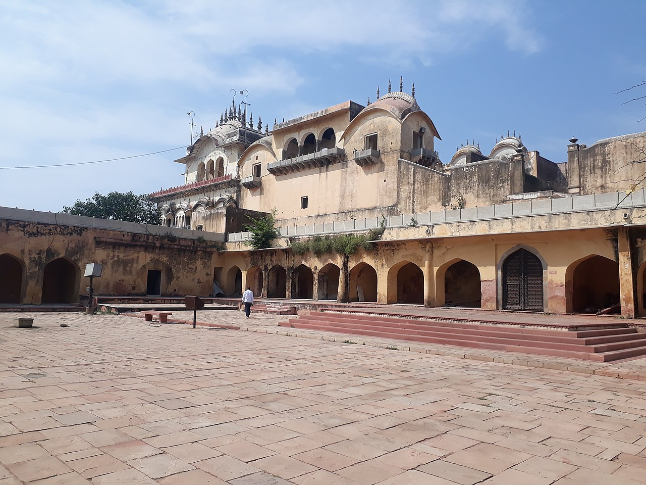 Amazing Place To Visit Near The Neemrana Town-Bala Quila Fort