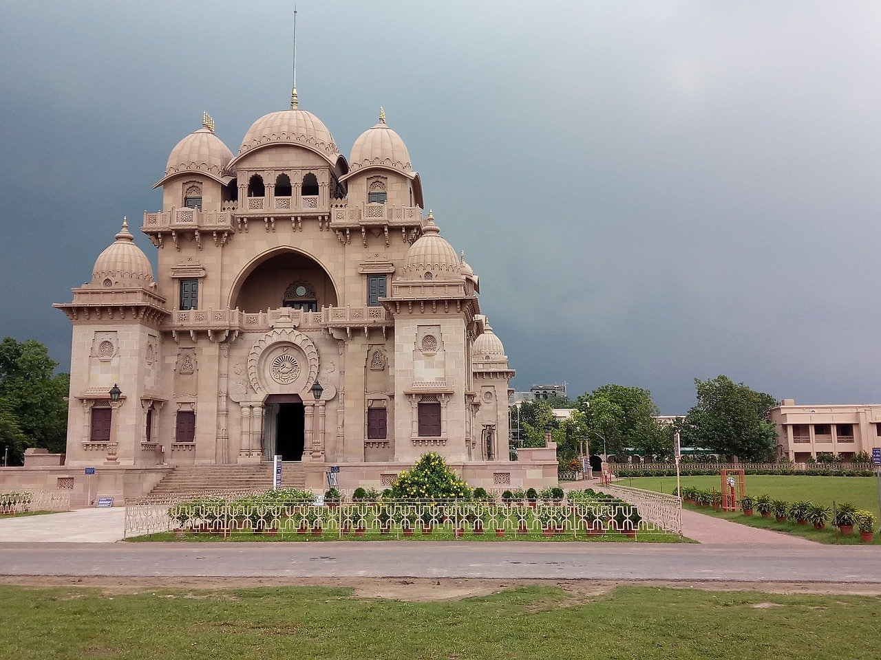 Beautiful Historical Monuments to See in West Bengal-Belur Math