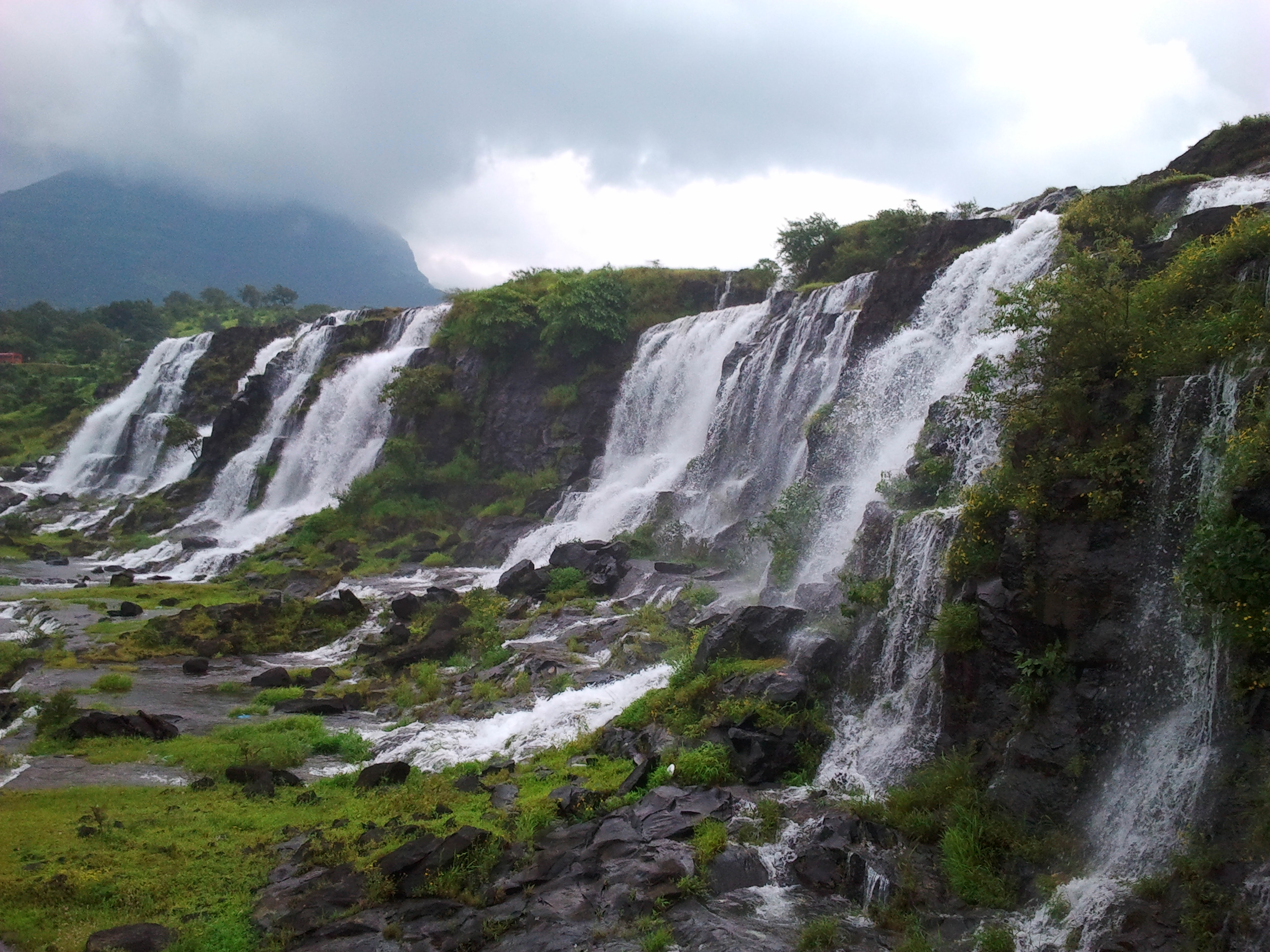 Bhandardara-Amazing Hill Station and Waterfalls Near Pune (Within 180 kms)