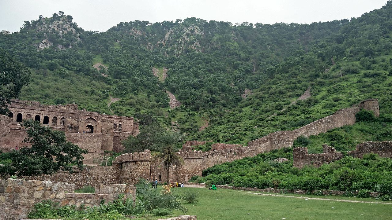 Top Place to Visit in Alwar-Bhangarh Fort