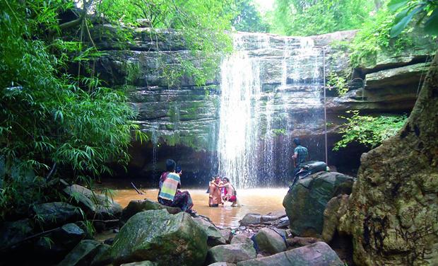 Bheemuni Paadam Waterfalls Place to Visit in Warangal
