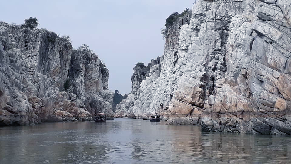 Boating trips at Bhedaghat