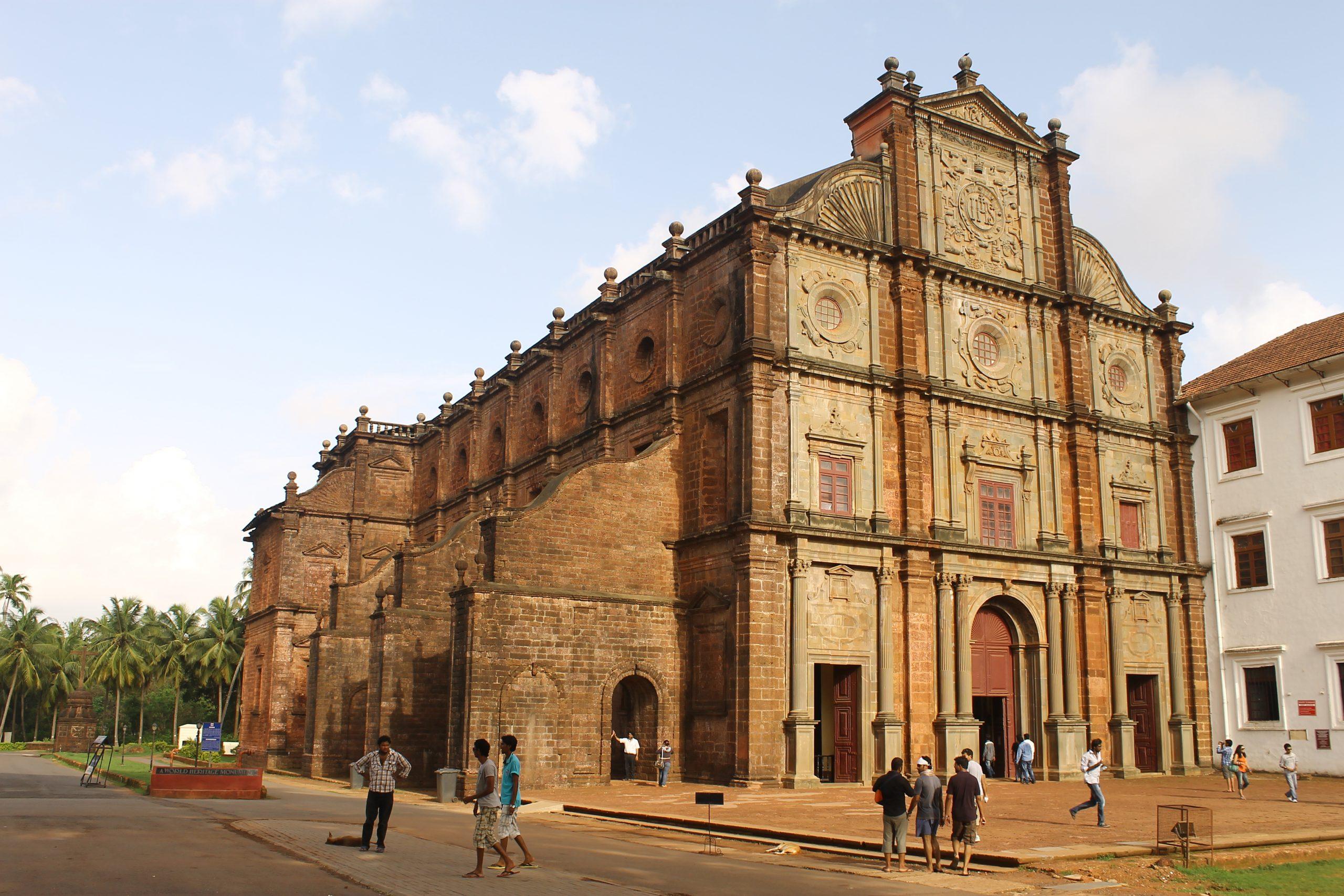 Popular Churches That You Must Visit in Goa - Bom Jesus Basilica