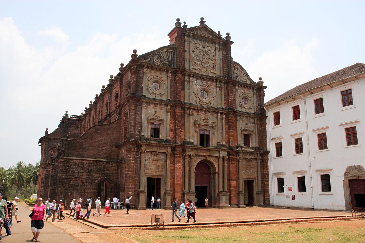 Popular Destination To Visit in Vapi-Bom Jesus Church