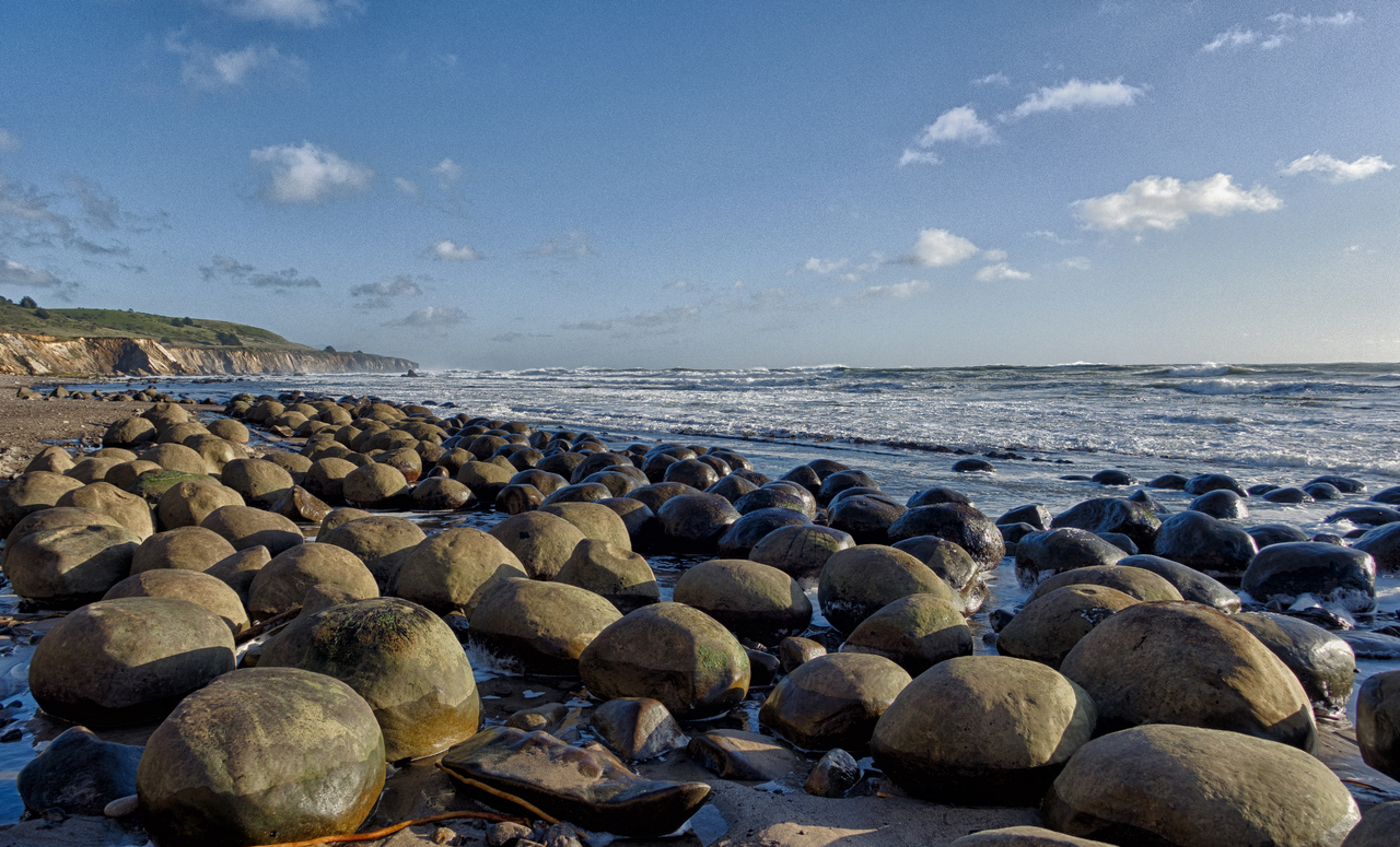 Top Hidden Gem In California For a Great Vacation-Bowling Ball Beach