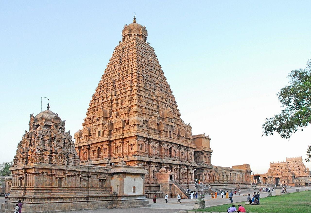 Brihadishwara Temple - The Best Tourist Place In Thanjavur In Tamil Nadu
