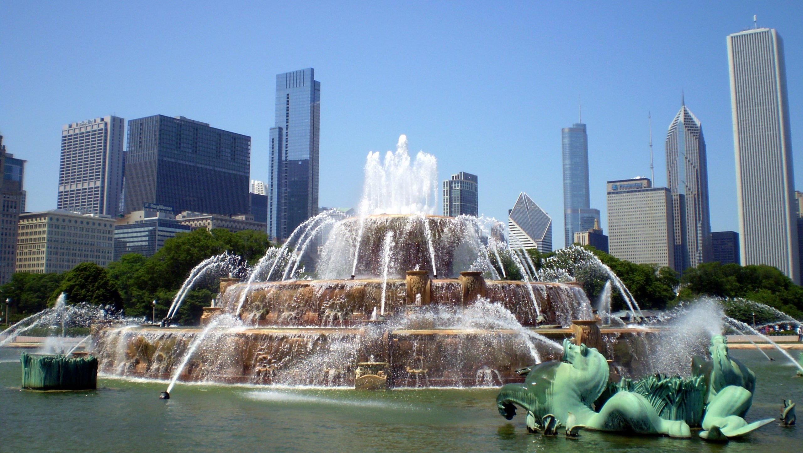 Top Must-See Place in Chicago-Buckingham Fountain