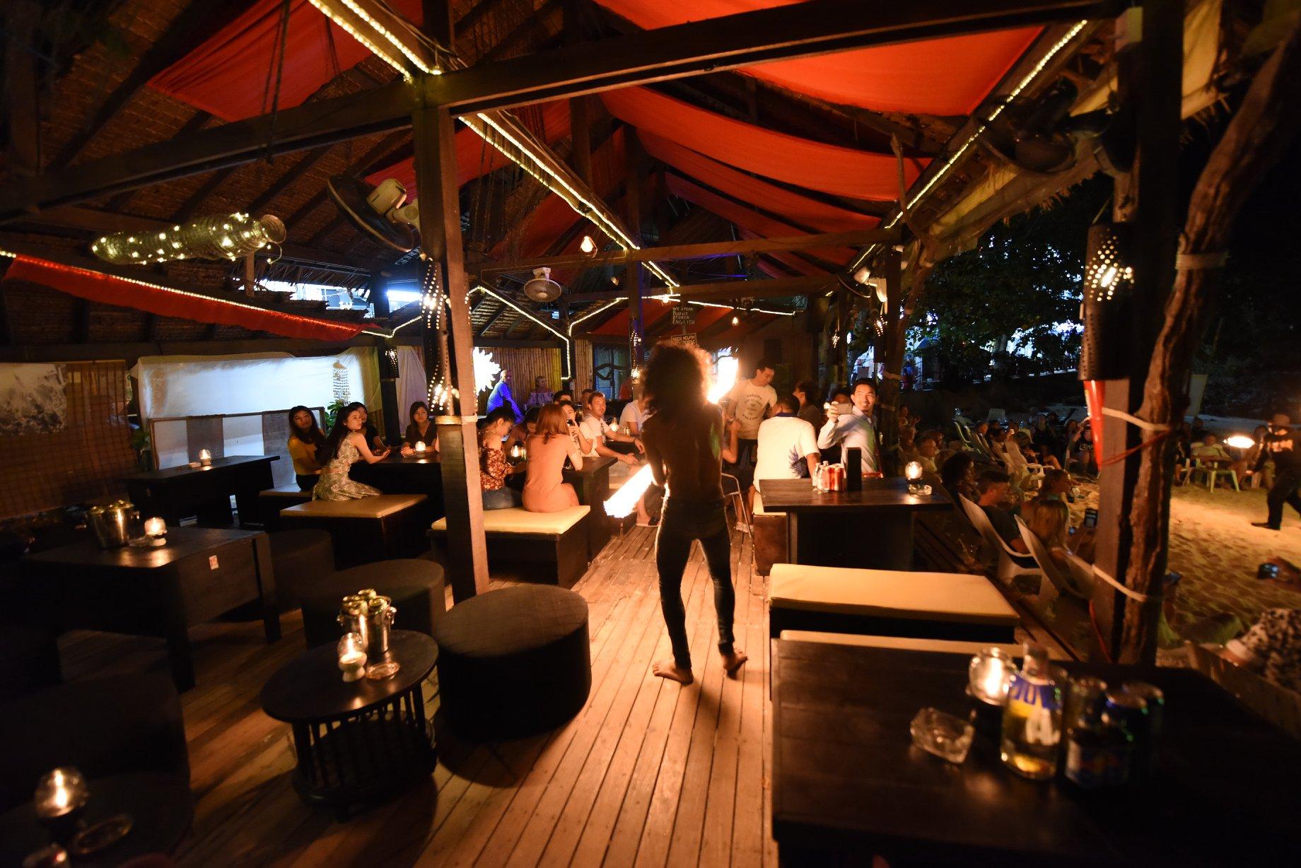 The Perfect Weekend Nightlife Parties In Krabi-Carlito's Bar, Phi Phi Island