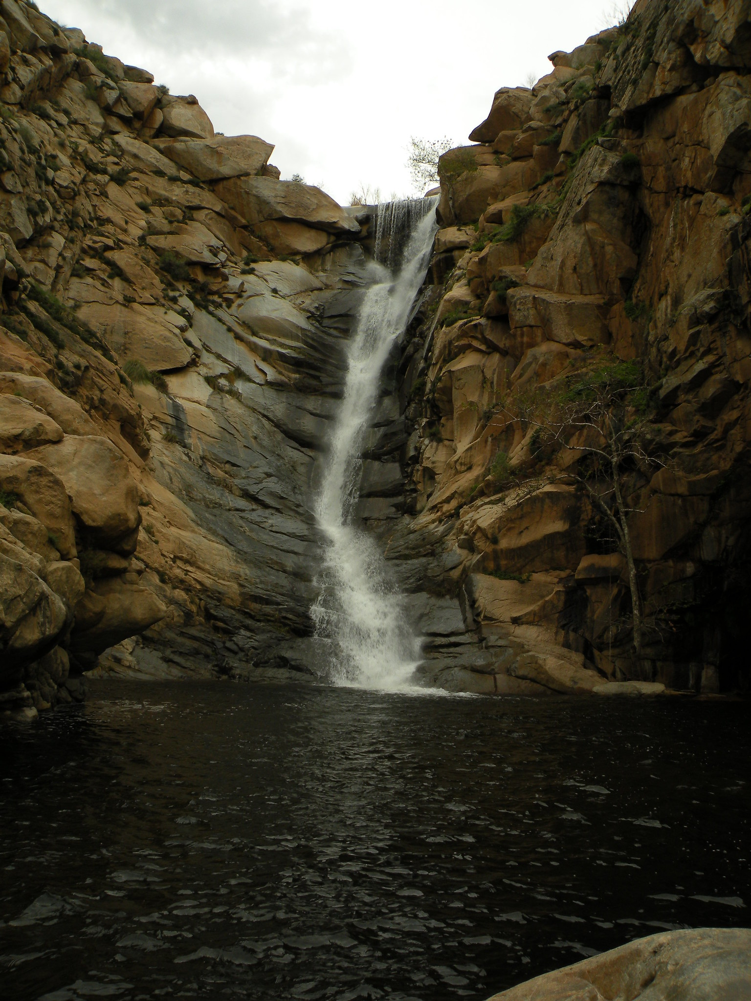 Impressive Waterfall In California-Cedar Creek
